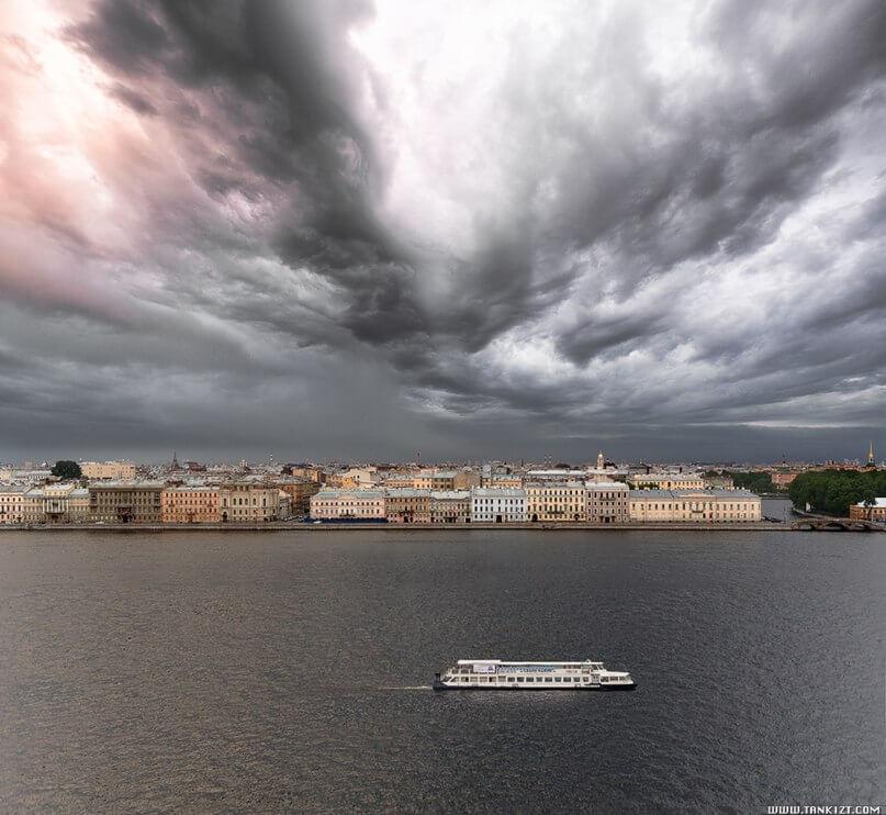 10-я международная независимая фотовыставка «Город – среда обитания»  с 11 июля по 9 августа 2015 года. Выставочный зал «Центр книги и графики» Литейный пр.55