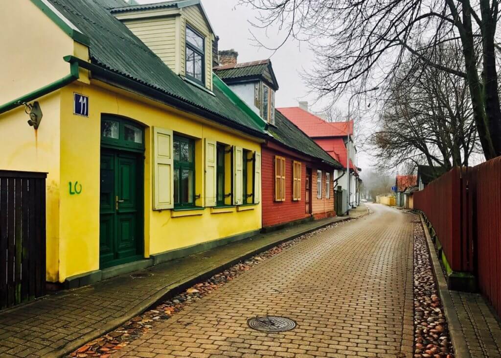 Цветущий, портовый город Латвии — Вентспилс