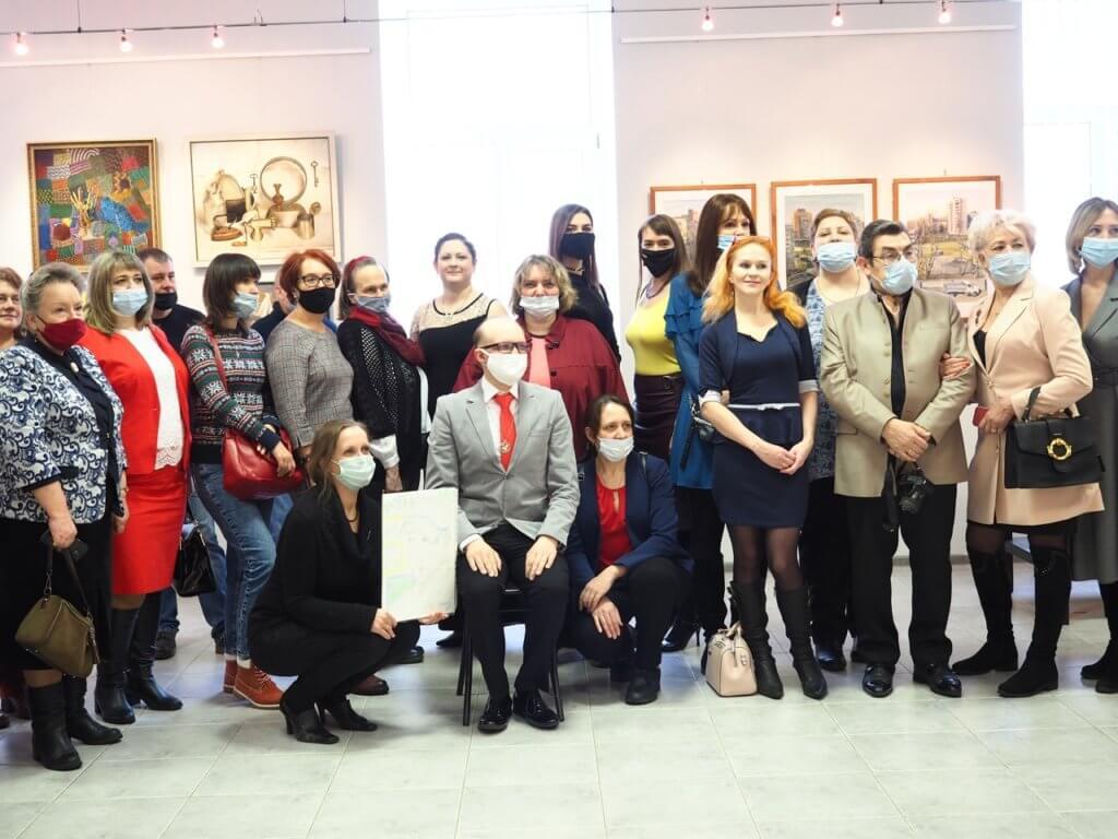 Выставка «День рождения Арт-клуба «Алая роза»» 🌹