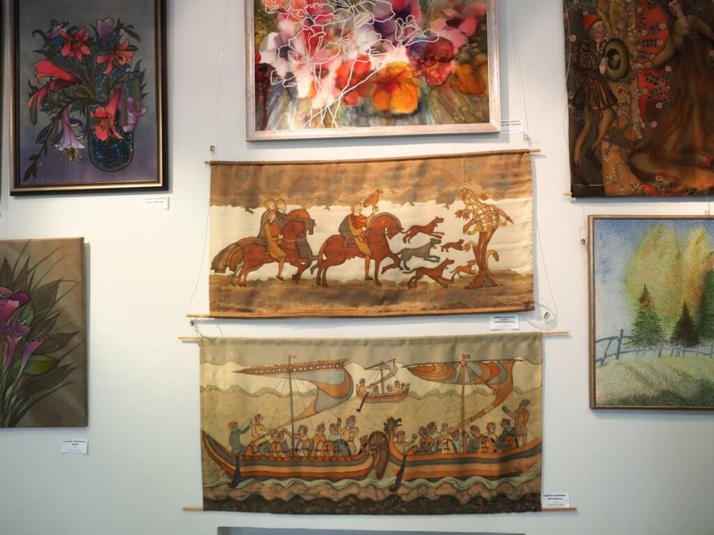 Выставка «Семь цветов радости». Роспись ткани. Живопись. Гобелен.16-23.02.2021 г.